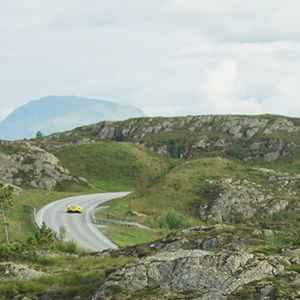 Watch Ford GT Cruise Atlantic Ocean Road style=