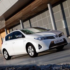 Toyota-Auris-Hybrid-new-fleet-cars