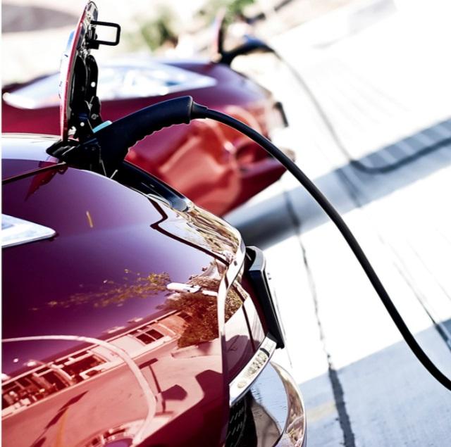Electric-vehicle-EV-charging-fleet-news