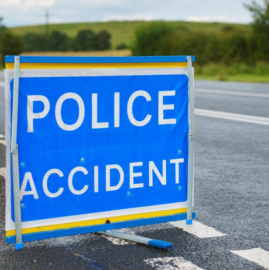 Accident sign-police accident-accident-car crash-fleet news