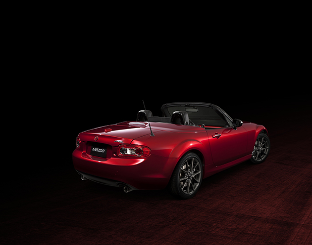 Mazda-MX-5-25th-Anniversary-Edition-side-new-fleet-cars