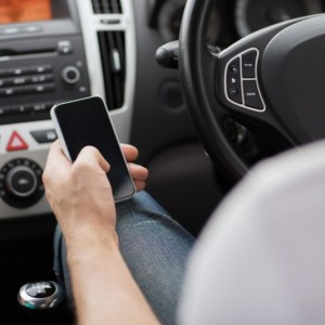 Mobile-phone-driving-texting-fleet-news