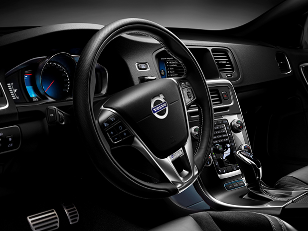 Volvo-V60-Plug-in-Hybrid-R-Design-interior-new-fleet-cars