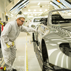Aston-Martin-manufacturing-fleet-news