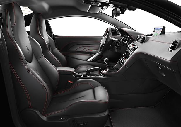 Peugeot-RCZ-Red-Carbon-interior-fleet-cars