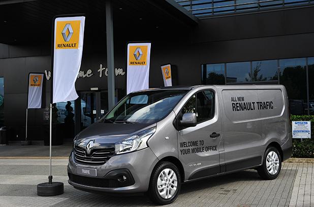 Renault-Trafic-side-new-fleet-vans