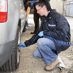 Tyre-pressure-check-fleet-news