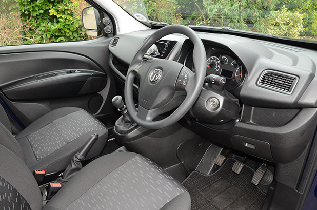 Vauxhall-Combo-L2H2-interior-new-cars