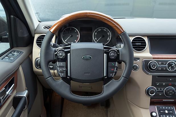 Land-Rover-Discovery-interior-fleet-cars