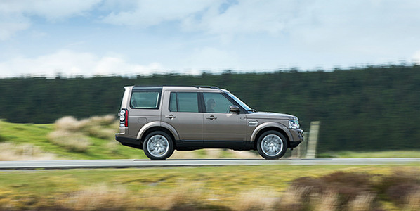 Land-Rover-Discovery-side-video-fleet-cars