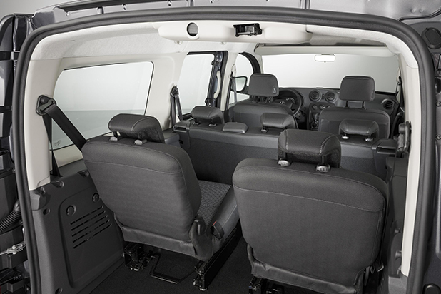 Mercedes-Benz-Citan-Traveliner-interior-fleet-news