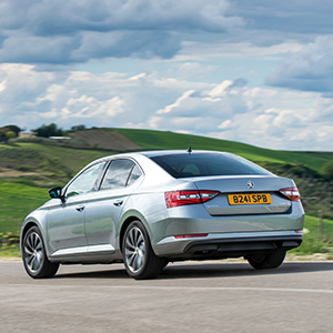 New-SKODA-Superb-awarded-maximum-five-star-rating-in-Euro-NCAP-crash-tests