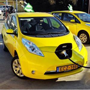 nissan taxi