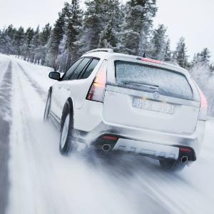 car-in-snow2