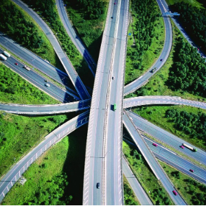 motorway-intersection-5581714a51585