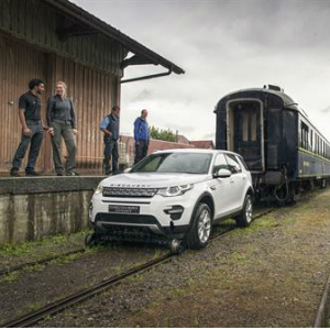 landrover towing train