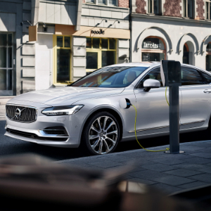 Twin_Engine_T8_Volvo_S90_Inscription_White