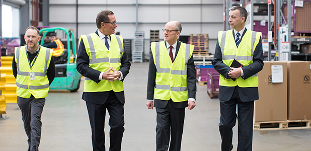 Rolls-Royce Motor Cars welcomes Minister of State to its centres