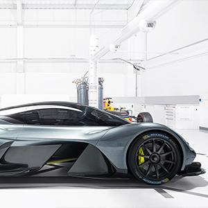 Aston Martin Valkyrie Michelin