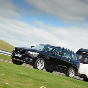 Volvo XC90 T8 voted 'Best Hybrid' at Tow Car Awards 2017