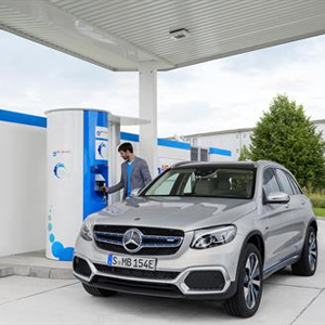 Mercedes-Benz combines electricity and hydrogen in EQ Power