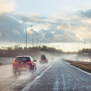 Impending cold weather makes it time to consider a seasonal tyre