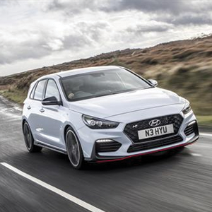 Hyundai i30 N wins Best Hot Hatch at the UK Car of the Year Awards 2018