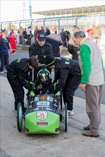electric racing car