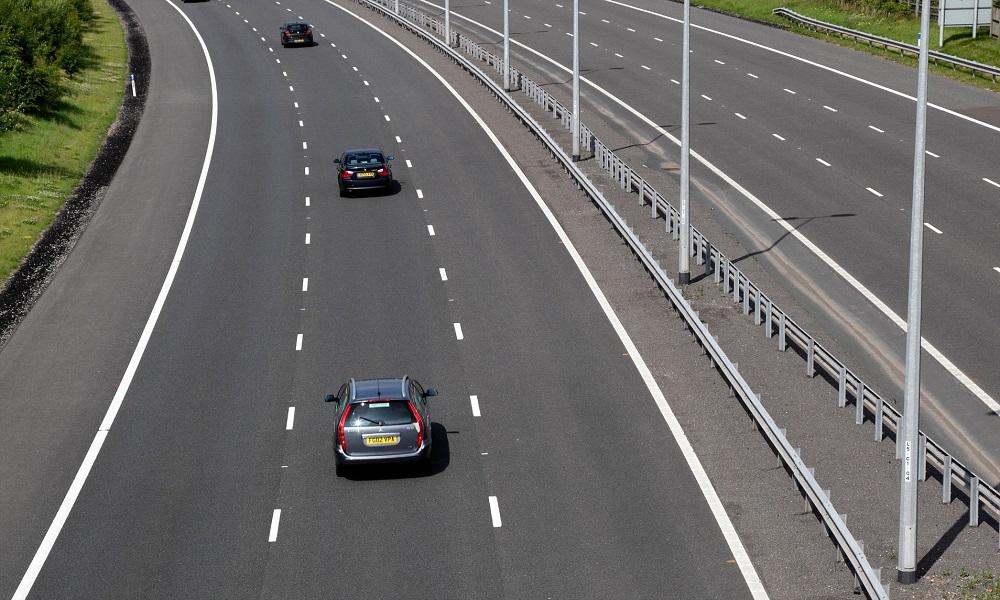 Middle-lane hoggers