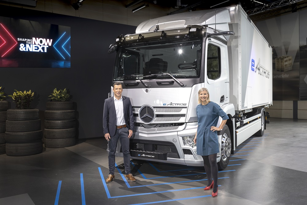 Mercedes−Benz Trucks
