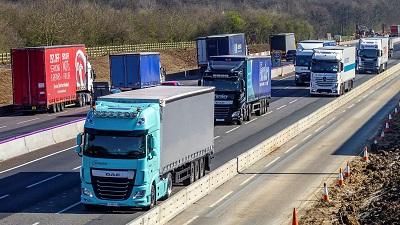 Lorries on a UK dual carrigeway