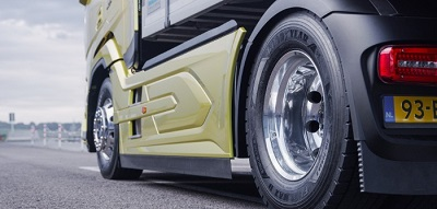 Close up of FUELMAX ENDURANCE tyres on a truck