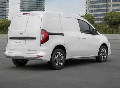 Nissan Townstar van, rear view