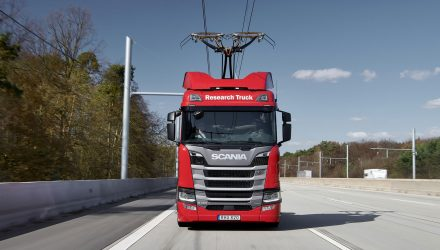 Swedish truck manufacturer Scania's R 450 model was equipped with pantographs in collaboration with German Siemens
